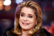 Catherine Deneuve defends men's 'right to hit on' women