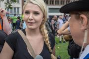 Lauren Southern: Far-right Canadian activist detained in Calais and banned from entering UK