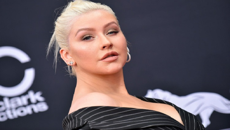 Christina Aguilera will be honored by Human Rights Campaign